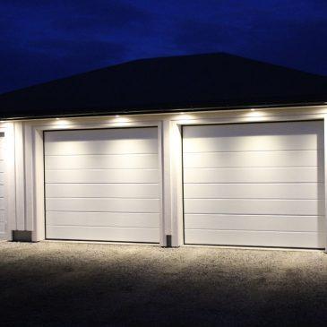 Hvilken fordeler får jeg med garasjedør inn i garasjen.